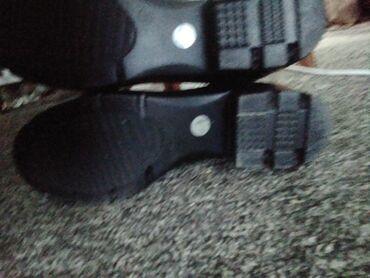 Женская обувь в Каракол: Новые зимние сапожки с каблуком и теплые. НОВЫЕ. Размер 40