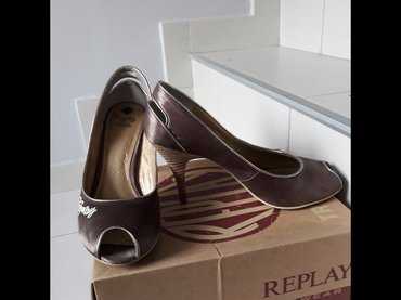 Replay bakarne sandalete,uu dobrom stanju,nosene bas malo,broj 38. - Uzice