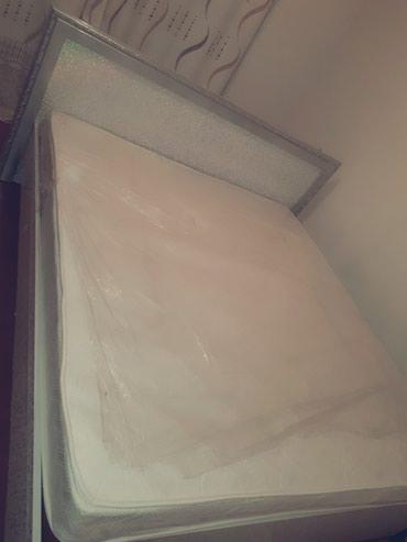 Кровать без матраца с зеркалом, 200×180см в Бишкек