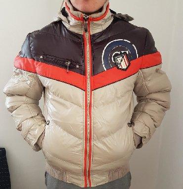 Gucci jakna S velicine