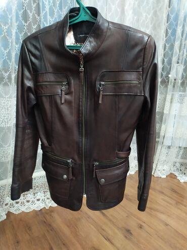 женские куртки в бишкеке в Кыргызстан: Продаю женскую кожаную куртку Турция состояние новое брали за тдам за