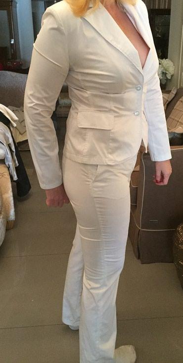 Брючный костюм белый,размер 48-50,хорошо сидит. в Бишкек