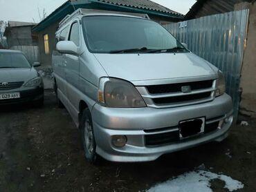 Toyota Hiace 2.7 л. 2000