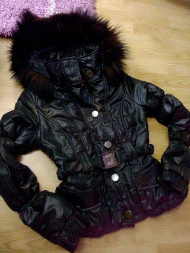 Odlicna zimska jakna u s velicini. Ne radi joj jedino rajsferslus, ali - Bor