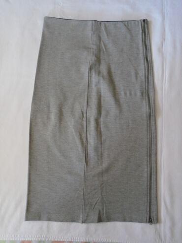 Pencil suknja afroditemodecollection - Srbija: Siva pencil uknja sa cipzarom duž čitave jedne strane. Naznačena je S