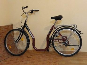 Bakı şəhərində Alman velosipedi , avtomat korobkadir , sekilde gorunduyu kimi