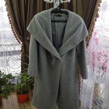 Пальто шерсть. Очень лёгкая и очень тёплая. Мало б/у. Размер 48-50