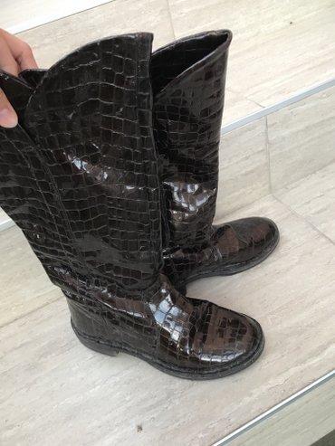 Lakovane kozne cizme , kao nove su par puta su nosene!!!! Broj 37 - Belgrade