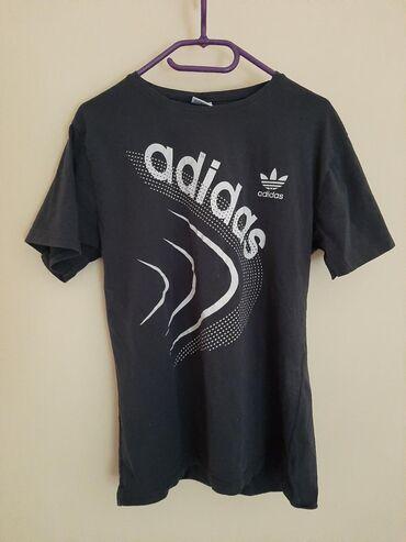 Original Adidas majica zenska. Vel M.  Tamno sive boje sa printom