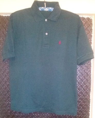 Majica Polo zelena.  Malo nošena i dobro očuvana majica. Nema - Beograd