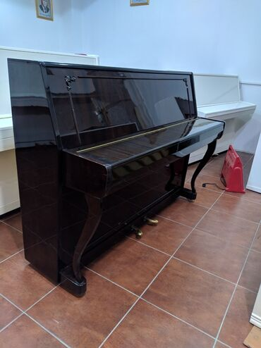Soxulcan satılır - Azərbaycan: Cox nadir Raslanan Eksport model Сура-2 Piano satilir.Royal