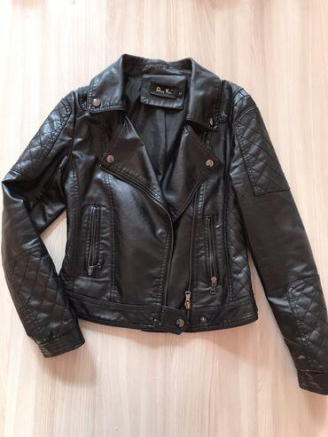 Новая касуха. не одевала S размер.Кожанная куртка ( ЭКО кожа)