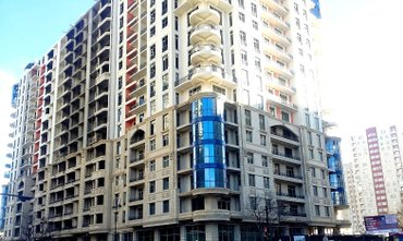 Bakı şəhərində H.Cavid prospektində yeni tikili binanın 1 ci mərtəbəsində 120 kv.m