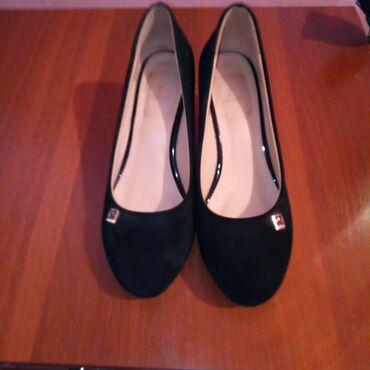 туфли-черные-женские в Кыргызстан: Продаю замшевые туфли. 36 размер Идеальное состояние. Одевала 1 раз в