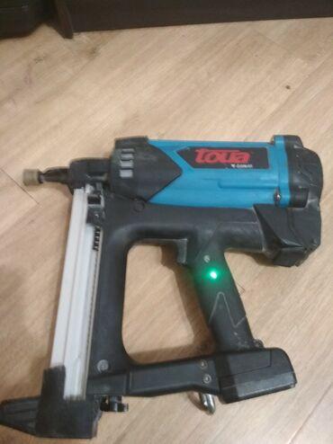 Газовый монтажный пистолет toua gsn40b. В хорошем состоянии