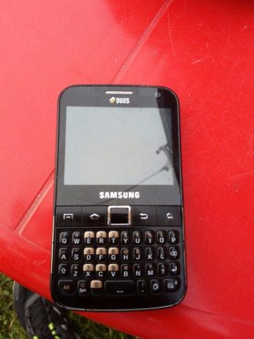 Mobilni telefoni - Loznica: Samsung duos u odlicnom stanju,srpski meni,ulaz za 2 kartice,punjac i