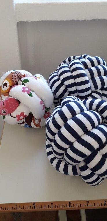 Kućni dekor - Zrenjanin: Jastuk klupko Jastuk neobicnog oblika i lepote, ukrasice svaki prostor