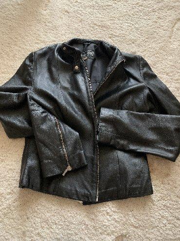 Crna zenska jakna, KOZA. Strukirana. Jako malo nosena, ocuvana