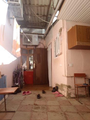 Bakı şəhərində Bineqedi qesebesinde ümumi sahesi 150 kv temirli 5 otaqlı obyektli