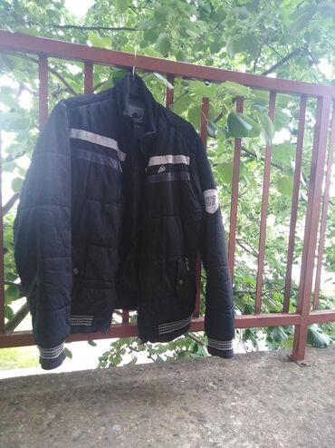 Odlicna muska jakna, Sportina. Velicina L. Bez ikakvih ostecenja