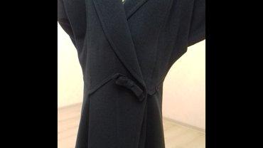 девушки на дом в Кыргызстан: Пальто деми из добротной и красивой ткани насыщенно темно- зеленого