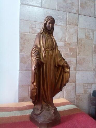 Prelapa trenerica pamucan mater - Srbija: Bogorodica. Savršena skulptura visine 36cm. I težine 3.5 kg