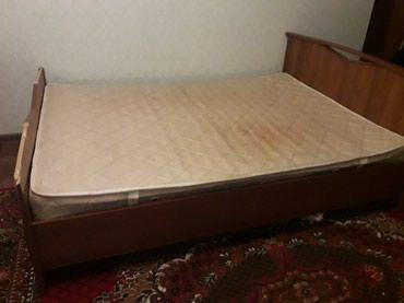 Продаю кровать, полуторка. Состояние среднее. . в Бишкек