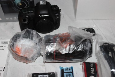 Canon EOS 5D Mark IV 30.4MP Digital SLR Camera - Black в Bakı