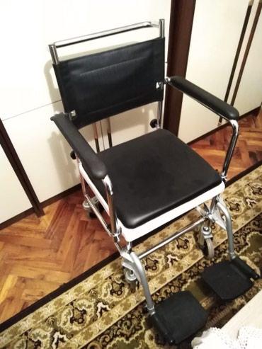 Toaletna kolica u odlicnom ocuvanom stanju bez ostecenja Slanje brzom - Zrenjanin