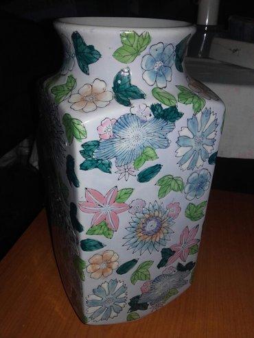 Prelepa i veoma interesantna vaza. - Kikinda