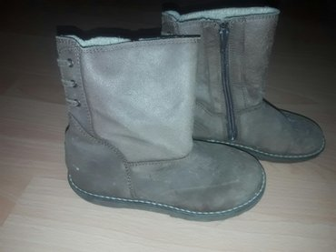 Zimske cizme za devojcice. Broj 30. Za vise slika obratiti se putem - Novi Sad