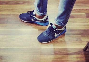 Кроссовки Nike найк оригинал 100%  42.5 б/у Состояние хорошее без пов