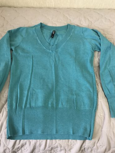 розовый свитерок в Кыргызстан: Разгружаю гардероб,USA свитерок на весну,осень,размер стандарт.чистый