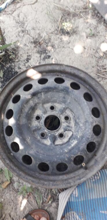 купить-диски-на-тойоту в Кыргызстан: Продаю железный диски комплект 4 шт на тойота камри 16 размер