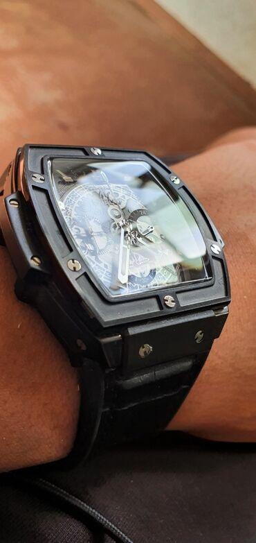 бренды классической мужской одежды в Кыргызстан: Продаю часы hublot крутые наручные часы в отличном состоянии цена
