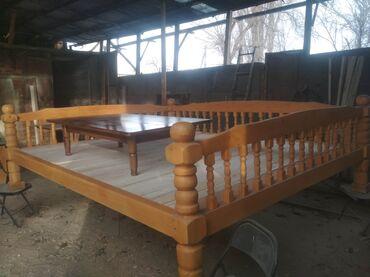 топчан из дерева в Кыргызстан: Деревянный топчан,сосна,размер 5мМаленький столик-сосна, размер