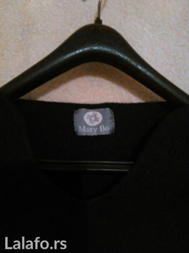 Crna deblja bluza,M,lep izrez oko vrata - Vranje