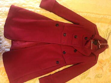 Pantalone struk - Srbija: Mango crveni kaputic, strukiran, velicina S