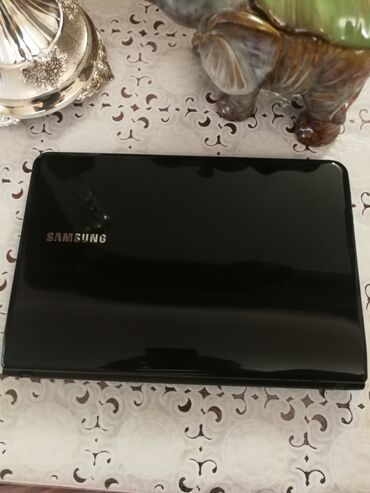 Нетбук SamsungВ отличном состоянии (частично присутствует плёнка) Всё