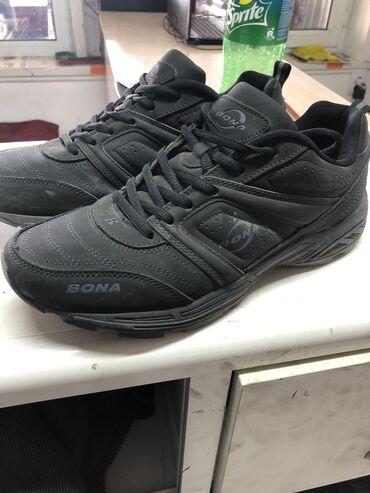 Продаю обувь Bona новая один раз одевал 43размер,покупал за 1700  Чон