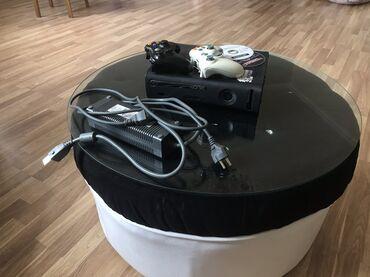 oyun rolu - Azərbaycan: Xbox360 isveç malıdır üstündə 2 orijinal pult və iki oyun diski veril