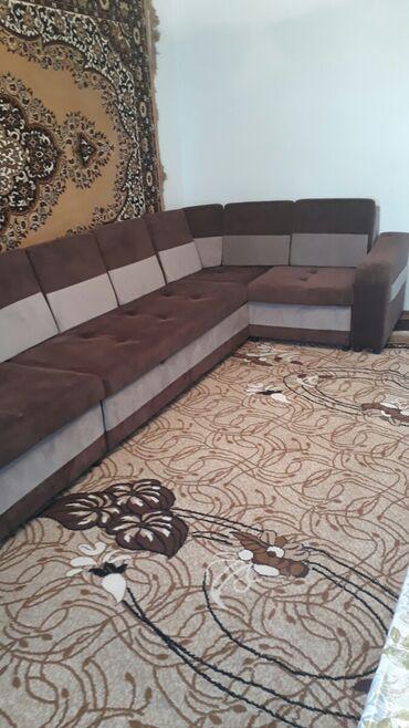 Диваны - Кемин: Продаю угловой диван г.Кемин состояние нового