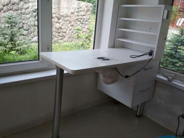 Продаю маникюрный стол с пылесосом хорошего качества 4500т