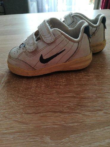 Dečija odeća i obuća - Rumenka: Nike dečije patike broj 19,5