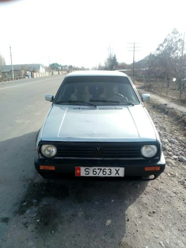 Volkswagen Golf 1988 в Бактуу долоноту