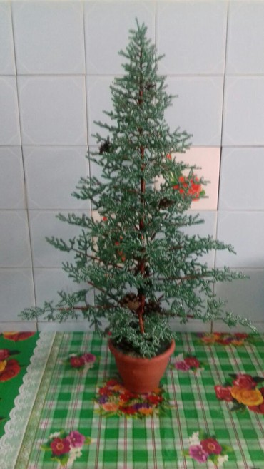 Продаю изделия из бисера ёлка и виноград. в Бишкек