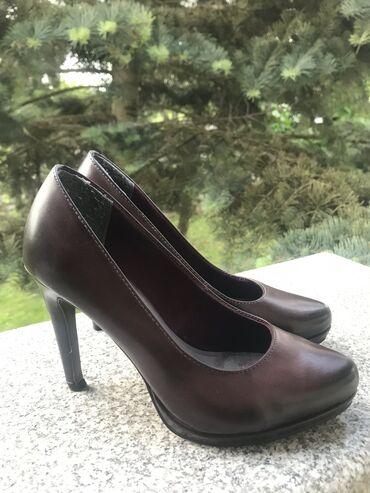 Ženska obuća   Srbija: Tamaris kozne cipele, broj 35 prodajem veoma povoljno