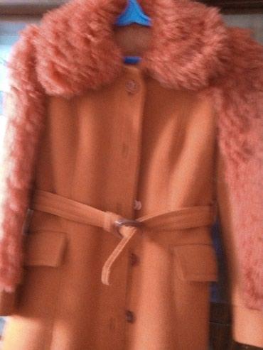 распродажа девушки в Кыргызстан: Куртка теплая, драповая, женская для девушки, размер 48. Токмак