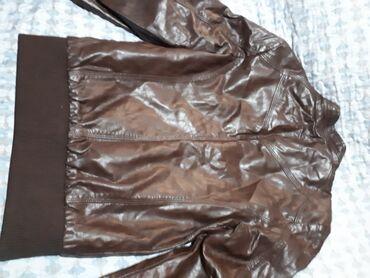 Кожаная куртка почти новая одевали пару раз. Размер 44-46