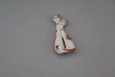 1240 объявлений | СПОРТ И ХОББИ: Статуетка кішечки   Довжина 12 см Ширина 6 см  Стан гарний
